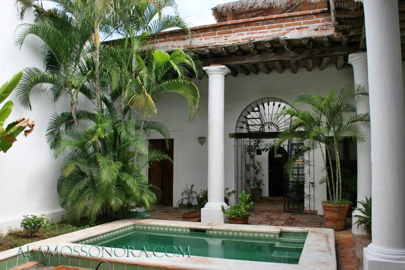 Courtyard of Hotel Luz del Sol in Alamos, Sonora